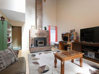 Photo 5: 247 Stormont Rd in View Royal: VR View Royal House for sale : MLS®# 844094