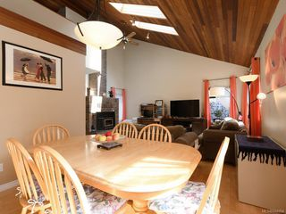Photo 6: 247 Stormont Rd in View Royal: VR View Royal Single Family Detached for sale : MLS®# 844094
