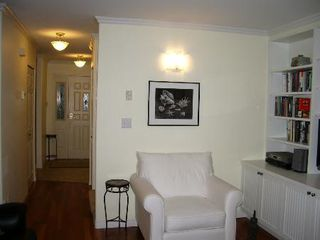 Photo 11: BEAUTIFULLY RENOVATED 3-BR TOWNHOUSE!