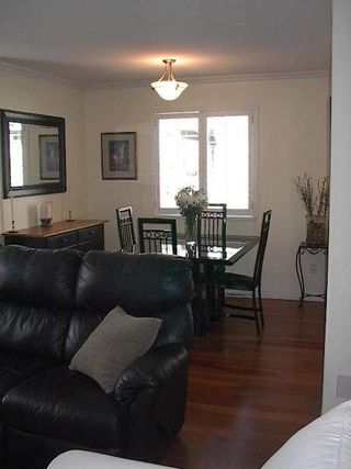 Photo 14: BEAUTIFULLY RENOVATED 3-BR TOWNHOUSE!
