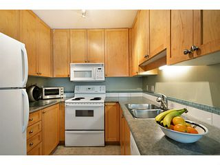 """Photo 4: 1803 NAPIER Street in Vancouver: Grandview VE Townhouse for sale in """"Salsbury Heights"""" (Vancouver East)  : MLS®# V1046669"""