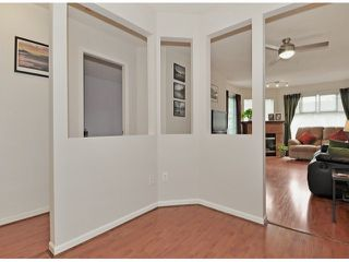 Photo 7: 311 2678 DIXON Street in Port Coquitlam: Central Pt Coquitlam Condo for sale : MLS®# V1051693
