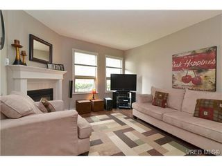 Photo 1: 3 930 North Park Street in VICTORIA: Vi Central Park Townhouse for sale (Victoria)  : MLS®# 336708