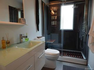 Photo 9: 661 Kildonan Drive in WINNIPEG: East Kildonan Residential for sale (North East Winnipeg)  : MLS®# 1411580