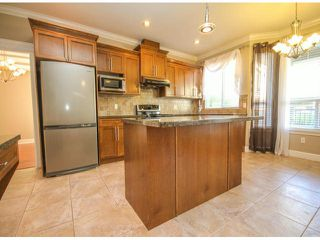 "Photo 9: 7266 198TH Street in Langley: Willoughby Heights House for sale in ""MOUNTAIN VIEW ESTATES"" : MLS®# F1422393"