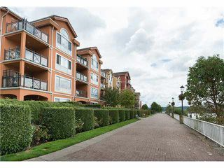"Photo 2: 218 3 RIALTO Court in New Westminster: Quay Condo for sale in ""RIALTO"" : MLS®# V1099770"