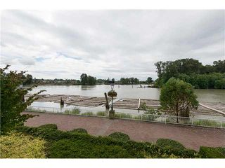 "Photo 1: 218 3 RIALTO Court in New Westminster: Quay Condo for sale in ""RIALTO"" : MLS®# V1099770"