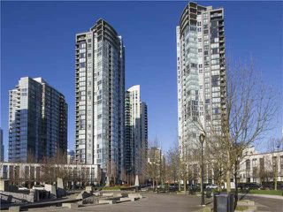 "Photo 1: 701 1495 RICHARDS Street in Vancouver: Yaletown Condo for sale in ""Azura II"" (Vancouver West)  : MLS®# V1111061"