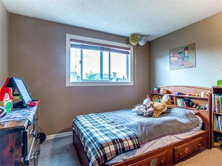 Photo 14: 27 Woodmont Green SW in Calgary: Woodbine House for sale : MLS®# C4022488