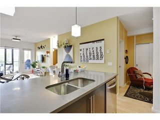 Photo 11: 202 414 MEREDITH Road NE in Calgary: Crescent Heights Condo for sale : MLS®# C4031332