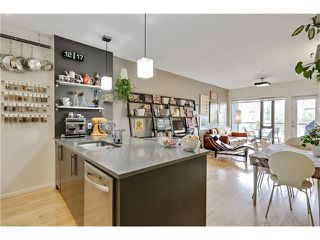 Photo 8: 202 414 MEREDITH Road NE in Calgary: Crescent Heights Condo for sale : MLS®# C4031332