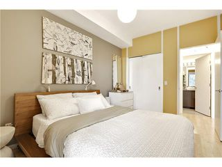 Photo 20: 202 414 MEREDITH Road NE in Calgary: Crescent Heights Condo for sale : MLS®# C4031332
