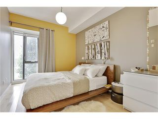Photo 19: 202 414 MEREDITH Road NE in Calgary: Crescent Heights Condo for sale : MLS®# C4031332
