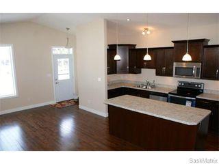 Photo 8: 1154 LINDSAY Street in Regina: Eastview Single Family Dwelling for sale (Regina Area 03)  : MLS®# 549678