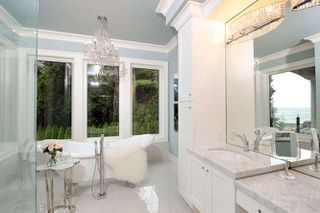 Photo 10: 1329 ANDERSON Street: White Rock House for sale (South Surrey White Rock)  : MLS®# R2040535