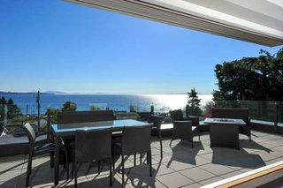 Photo 18: 1329 ANDERSON Street: White Rock House for sale (South Surrey White Rock)  : MLS®# R2040535