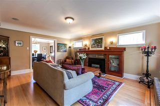 Photo 4: 2476 TRINITY Street in Vancouver: Hastings East House for sale (Vancouver East)  : MLS®# R2111101
