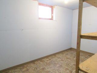 """Photo 13: 9004 99 Avenue in Fort St. John: Fort St. John - City SE House for sale in """"CAMARLO PARK"""" (Fort St. John (Zone 60))  : MLS®# R2113421"""