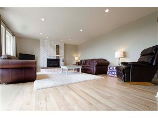 Photo 3: 5815 COACH HILL Road SW in Calgary: Coach Hill House for sale : MLS®# C4085470