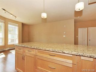 Photo 7: 201 611 Goldstream Ave in VICTORIA: La Fairway Condo for sale (Langford)  : MLS®# 753485