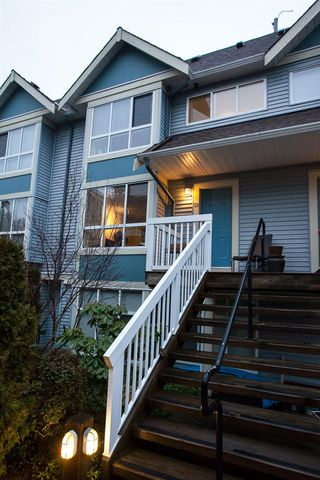 """Photo 2: 50 7128 STRIDE Avenue in Burnaby: Edmonds BE Townhouse for sale in """"Riverstone"""" (Burnaby East)  : MLS®# R2146308"""