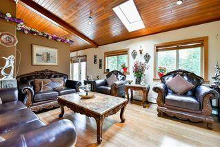 "Photo 2: 1527 PHOENIX Street: White Rock House for sale in ""West White Rock"" (South Surrey White Rock)  : MLS®# R2155044"
