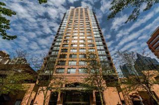 "Photo 1: 1605 1189 HOWE Street in Vancouver: Downtown VW Condo for sale in ""THE GENESIS"" (Vancouver West)  : MLS®# R2166646"