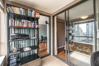 "Photo 10: 1605 1189 HOWE Street in Vancouver: Downtown VW Condo for sale in ""THE GENESIS"" (Vancouver West)  : MLS®# R2166646"