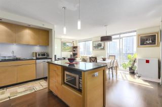 "Photo 2: 904 1055 HOMER Street in Vancouver: Yaletown Condo for sale in ""DOMUS"" (Vancouver West)  : MLS®# R2173690"