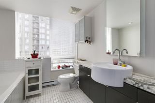 """Photo 13: 904 1055 HOMER Street in Vancouver: Yaletown Condo for sale in """"DOMUS"""" (Vancouver West)  : MLS®# R2173690"""