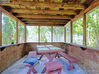 Photo 16: 284 Beach Drive in VICTORIA: OB South Oak Bay Single Family Detached for sale (Oak Bay)  : MLS®# 379016