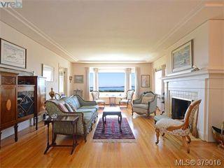 Photo 2: 284 Beach Drive in VICTORIA: OB South Oak Bay Single Family Detached for sale (Oak Bay)  : MLS®# 379016