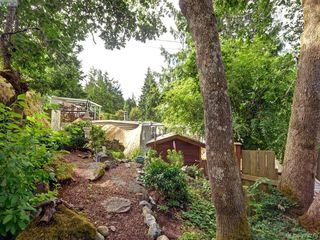 Photo 19: 12 2587 Selwyn Rd in VICTORIA: La Mill Hill Manufactured Home for sale (Langford)  : MLS®# 762820