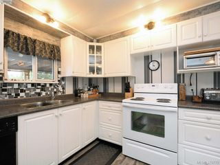 Photo 6: 12 2587 Selwyn Rd in VICTORIA: La Mill Hill Manufactured Home for sale (Langford)  : MLS®# 762820
