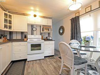 Photo 8: 12 2587 Selwyn Rd in VICTORIA: La Mill Hill Manufactured Home for sale (Langford)  : MLS®# 762820