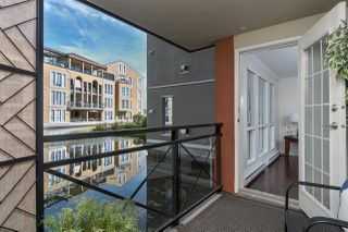 "Photo 17: 111 2 RENAISSANCE Square in New Westminster: Quay Condo for sale in ""THE LIDO"" : MLS®# R2202214"