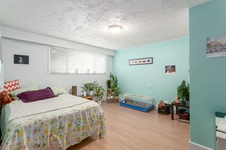 Photo 11: 1020 E 53RD Avenue in Vancouver: South Vancouver House for sale (Vancouver East)  : MLS®# R2205005
