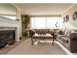 "Photo 3: 607 15111 RUSSELL Avenue: White Rock Condo for sale in ""PACIFIC TERRACE"" (South Surrey White Rock)  : MLS®# R2217862"