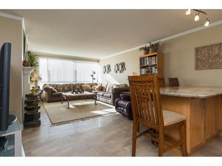 "Photo 2: 607 15111 RUSSELL Avenue: White Rock Condo for sale in ""PACIFIC TERRACE"" (South Surrey White Rock)  : MLS®# R2217862"