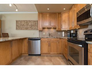"Photo 1: 607 15111 RUSSELL Avenue: White Rock Condo for sale in ""PACIFIC TERRACE"" (South Surrey White Rock)  : MLS®# R2217862"
