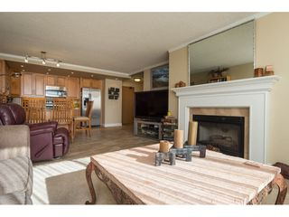 "Photo 4: 607 15111 RUSSELL Avenue: White Rock Condo for sale in ""PACIFIC TERRACE"" (South Surrey White Rock)  : MLS®# R2217862"