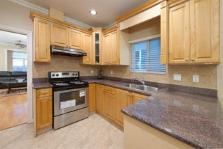 Photo 11: 929 E 57TH Avenue in Vancouver: South Vancouver House for sale (Vancouver East)  : MLS®# R2223849