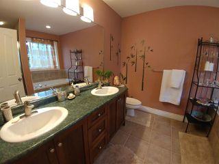 "Photo 8: 10390 244 Street in Maple Ridge: Albion House for sale in ""CALEDON LANDING"" : MLS®# R2229121"