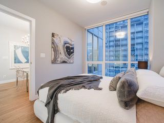 Photo 13: 809 108 E 1ST AVENUE in Vancouver: Mount Pleasant VE Condo for sale (Vancouver East)  : MLS®# R2236809
