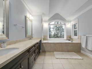 Photo 12: 1052 RAVENSWOOD Drive: Anmore House for sale (Port Moody)  : MLS®# R2246330