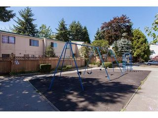 """Photo 17: 39 10555 153RD Street in Surrey: Guildford Townhouse for sale in """"guildford mews"""" (North Surrey)  : MLS®# R2255781"""