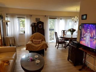 """Photo 2: 39 10555 153RD Street in Surrey: Guildford Townhouse for sale in """"guildford mews"""" (North Surrey)  : MLS®# R2255781"""