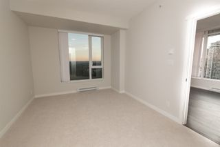 """Photo 8: 2403 3100 WINDSOR Gate in Coquitlam: New Horizons Condo for sale in """"LLOYD"""" : MLS®# R2311925"""