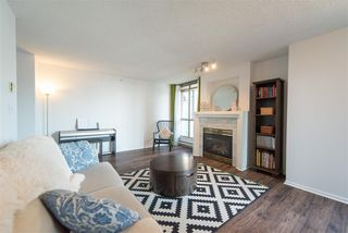 """Photo 3: 1903 867 HAMILTON Street in Vancouver: Downtown VW Condo for sale in """"Jardine's Lookout"""" (Vancouver West)  : MLS®# R2331796"""