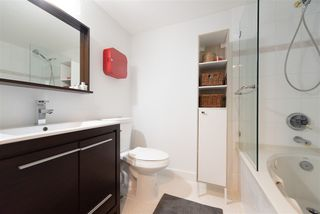 """Photo 15: 1903 867 HAMILTON Street in Vancouver: Downtown VW Condo for sale in """"Jardine's Lookout"""" (Vancouver West)  : MLS®# R2331796"""
